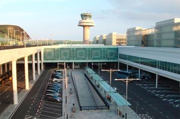 El pago con Vía-T llega al aeropuerto de Barcelona-El Prat