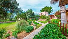 Santa Eulària des Riu presenta su guía de alojamientos