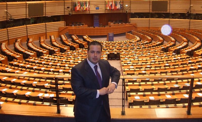 El PP intenta lograr un gran pacto por el Turismo español
