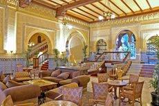 El Alhambra Palace muestra su encanto arquitectónico