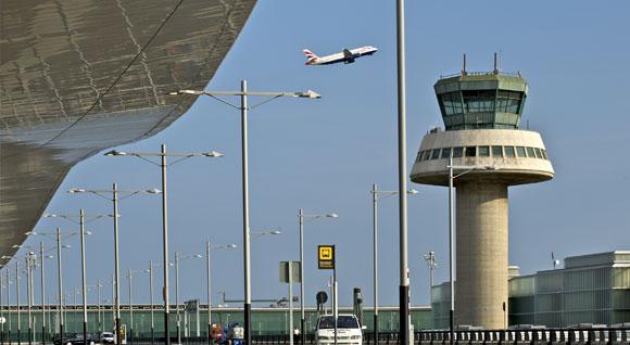 ACETA advierte del posible caos aéreo este verano