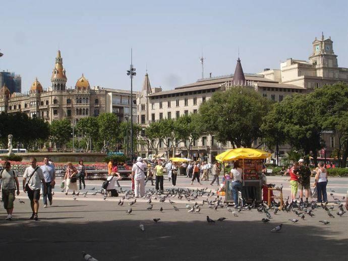 Desciende el turismo nacional en Cataluña y el internacional se mantiene