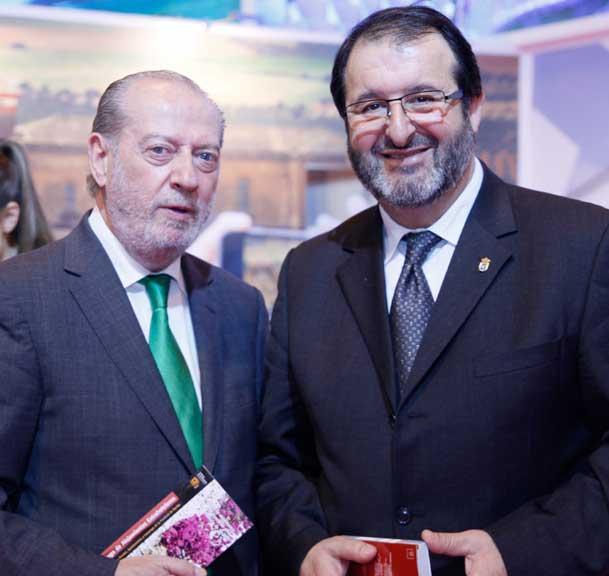 La guía 'Carmona de Congresos', presentada en Fitur