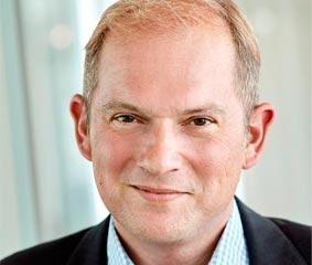 HRS incorpora a Chris Crowley para mejorar el crecimiento europeo