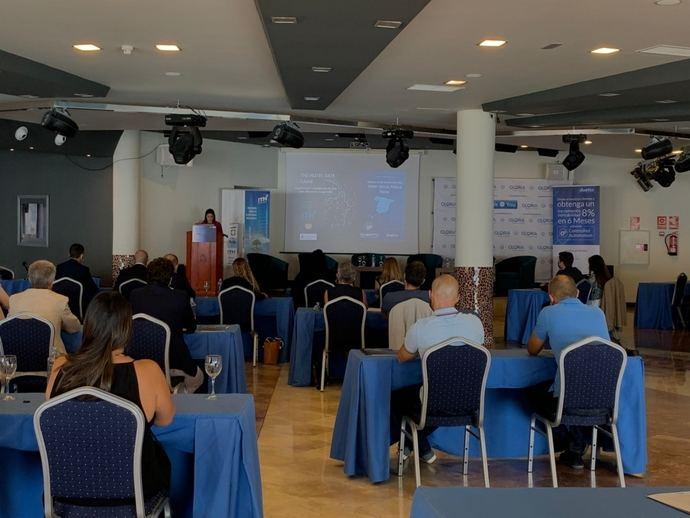 Yaiza Castilla y FEHT impulsan la formación del Sector canario