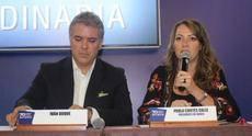 El presidente electo del país junto a la presidenta de ANATO.