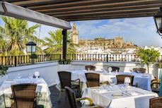 Terraza Restaurante El Mirador de Sevilla en Vincci La Rábida.