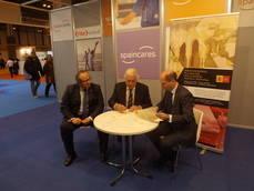 Firma del acuerdo de colaboración entre Spaincares y Marca España.