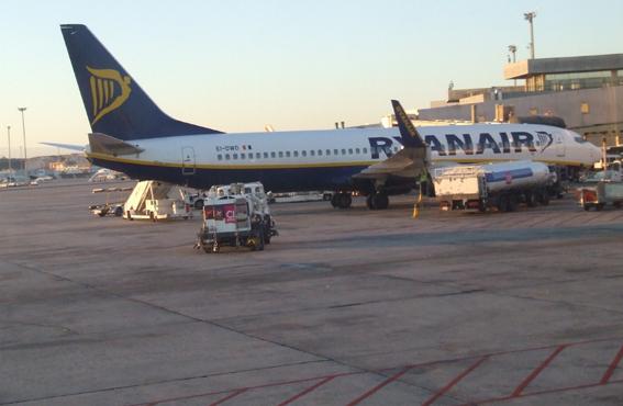 Ryanair tendrá que pagar 33 millones de euros en compensaciones por las huelgas