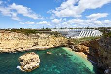 Mint cierra la venta de dos hoteles en el Algarve