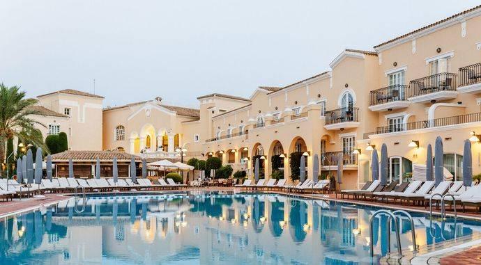El Hotel Príncipe Felipe se postula como destino en La Manga