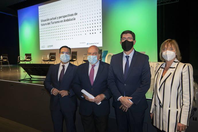 Directivos del sector analizan la situación y las perspectivas del Turismo andaluz