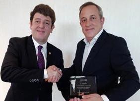 Eugenio de Quesada recibe el Premio GEBTA por Conexo.net