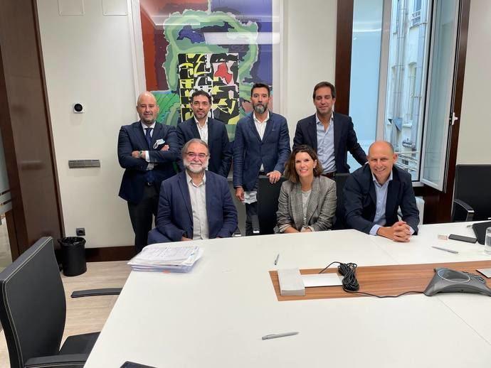 Room Mate Hotels, Único, Castilla Termal, Fontecruz, One Shot y Alma Hoteles constituyen una AIE
