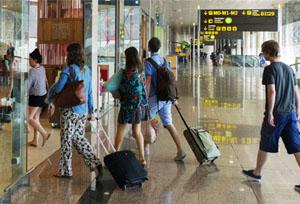 Los españoles destinan a sus viajes 8.000 millones de euros en el primer trimestre