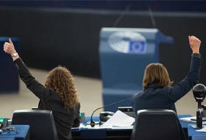 La decisión de Bruselas sobre los recargos de Lufthansa e IAG 'podría tardar años'