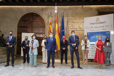 Ximo Puig entrega los Premios Forinvest 2021 en el Palau