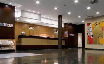 La cadena H10 Hotels compra el Hotel Puerta de Alcalá de Madrid