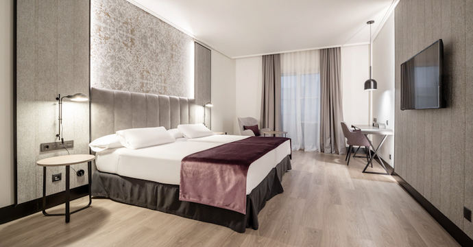 El hotel Ilunion Alcora Sevilla reabre tras una reforma integral