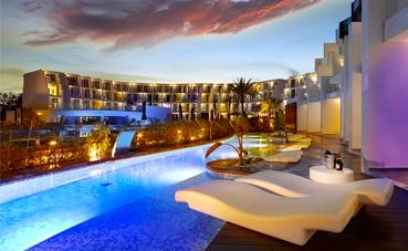 Hard Rock Ibiza y Tenerife 'Mejores Hoteles de 2018'