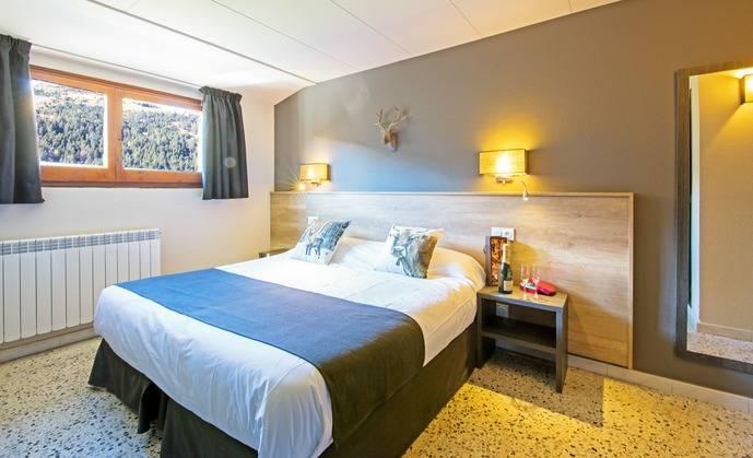 Las pernoctaciones en establecimientos hoteleros disminuyen un 78%