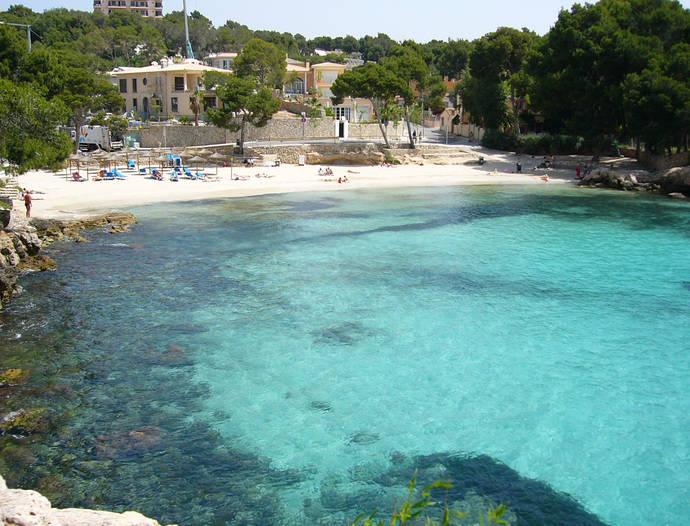 El Costa Portals de Mallorca reforma sus suelos