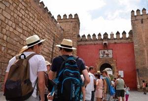 La reducción del IVA al Turismo español parece estar cada vez más lejos