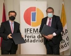 Foto del acuerdo entre ITH e Ifema para Fitur.