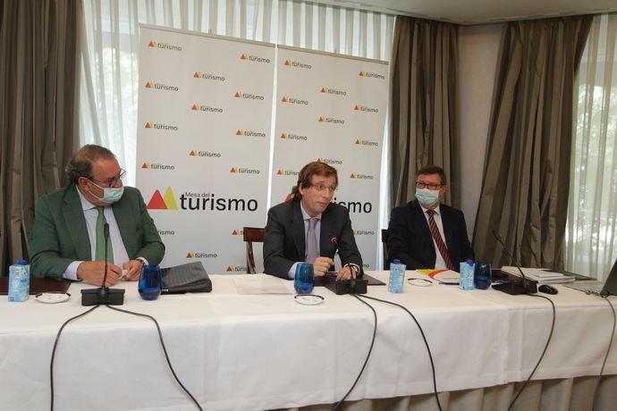 Almeida: 'Debemos llegar a la Inmaculada con las cifras previas a la pandemia'