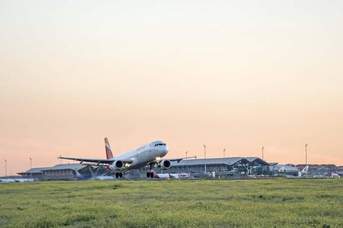 Nuevo récord de pasajeros en los aeropuertos de Aena