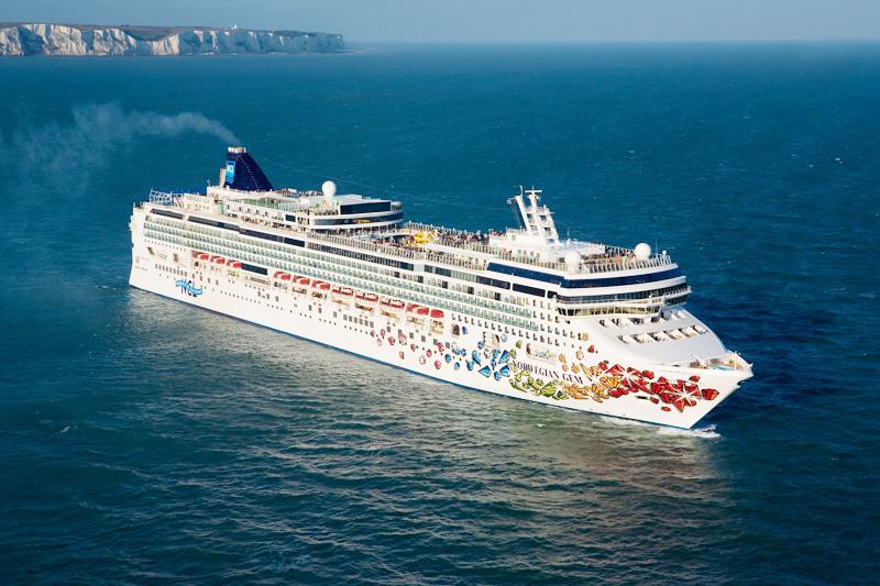 Norwegian Cruise Line gana casi 390 millones en 2015