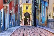 Lisboa quiere atraer y aumentar el número de visitantes españoles .