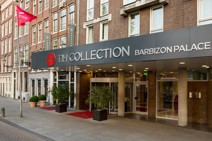 Fachada del hotel NH Collection Barbizon Palace, en Ámsterdam.