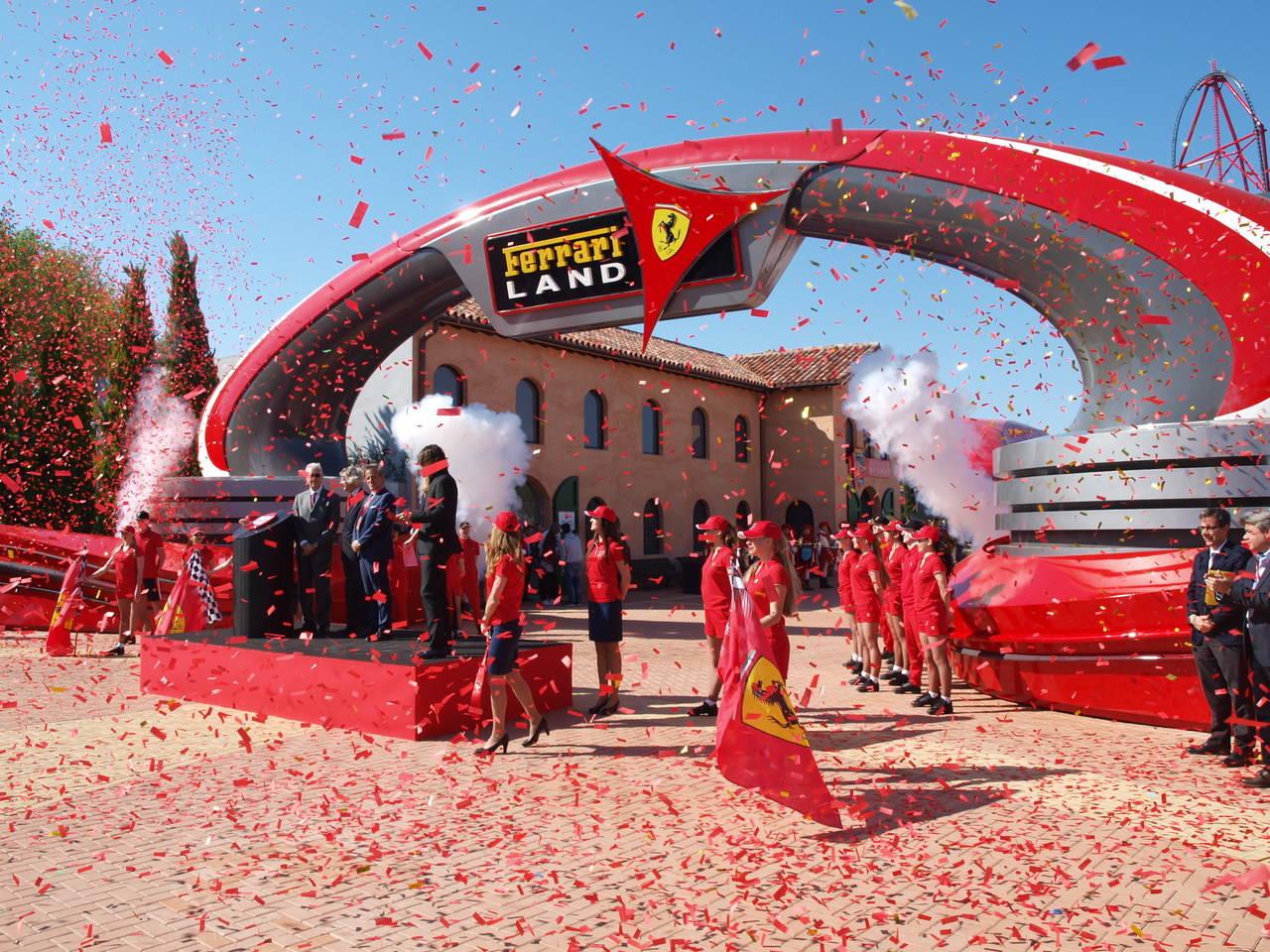 Ferrari Land abre sus puertas con grandes expectativas