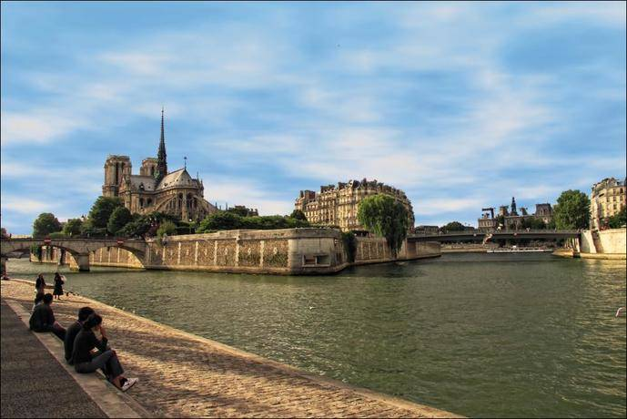 El Turismo no caería en una posible Francia de Le Pen