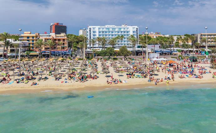 Meliá, Iberostar, RIU y Barceló lanzan una iniciativa para impulsar destinos españoles