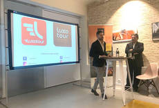 El director comercial de Luxotour, Jorge Raheb, junto a Antonio Peregrín.
