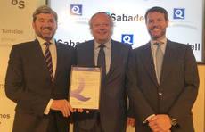 El presidente del ICTE y el subdirector del Banco Sabadell han suscrito el acuerdo.