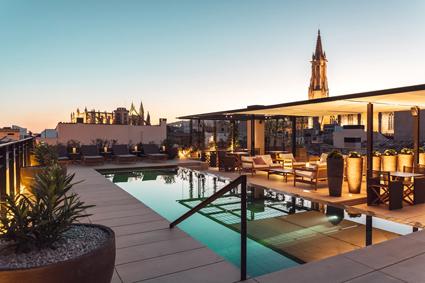 CaixaBank lanza la línea de negocio Hotels & Tourism, para el mercado turístico