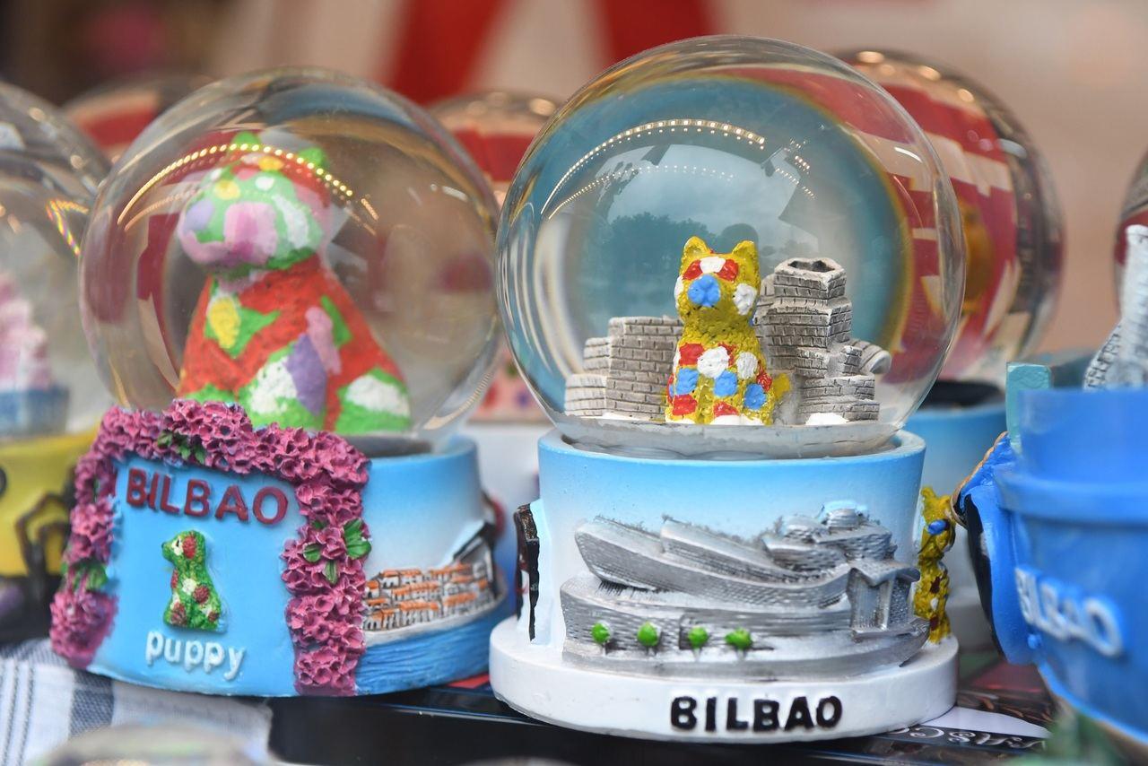 Los españoles cada vez hacen más viajes al extranjero