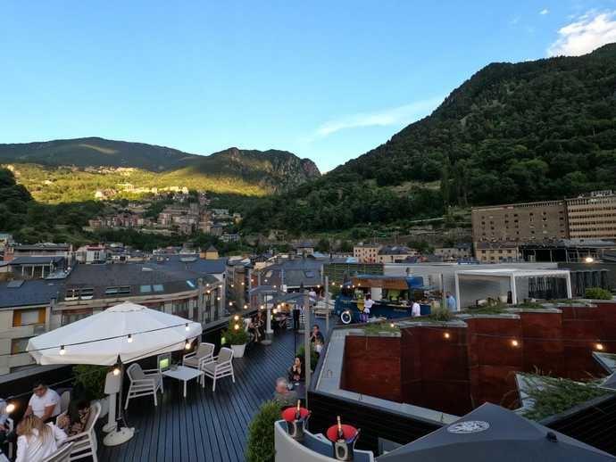 The RoofTop Van, la terraza de moda en Andorra