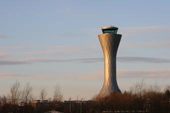 Cuatro grupos aéreos demandan a Francia ante la CE
