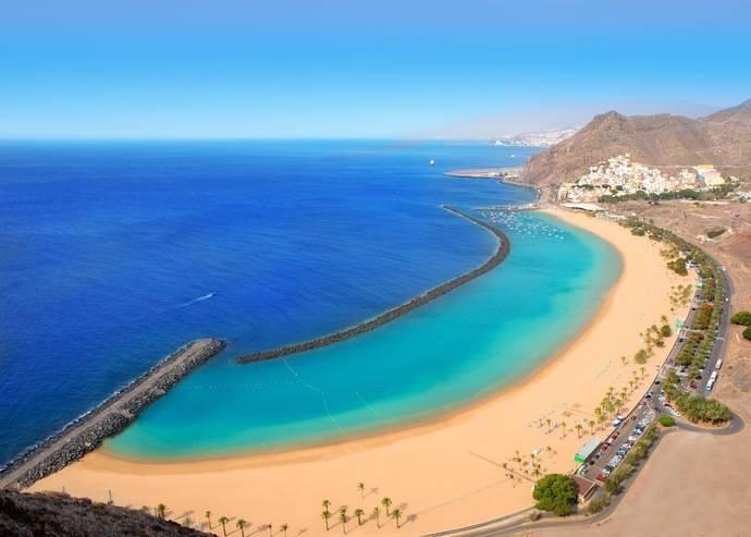 Casi dos millones de niños viajaron a Canarias en 2016