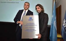 Javier Hidalgo y Zurab Pololikashvili, en la presentación de Wakalua.
