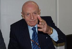 Abel Matutes completará una década como presidente de la Mesa del Turismo