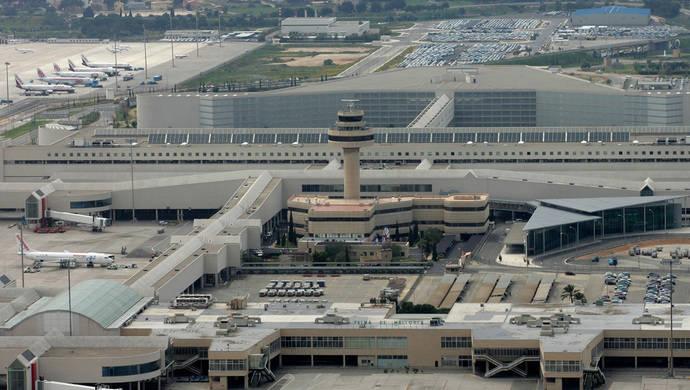 ACETA responde a Fomento: el sector aéreo bajó precios cuando subían las tasas