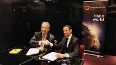 El director general de Tourmundial, Luis López Hita, a la izquierda, y el CEO de Jumbo Tours, Ginés Martinez, a la derecha.
