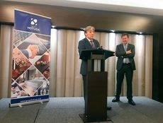 El presidente de AEGVE, Antonio Perea, agradeciendo el premio.