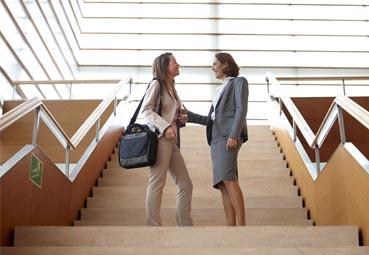 AEGVE incorpora a HelmsBriscoe como socio colaborador