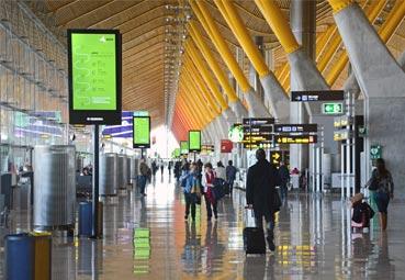 Suben un 4% los pasajeros en los aeropuertos de Aena